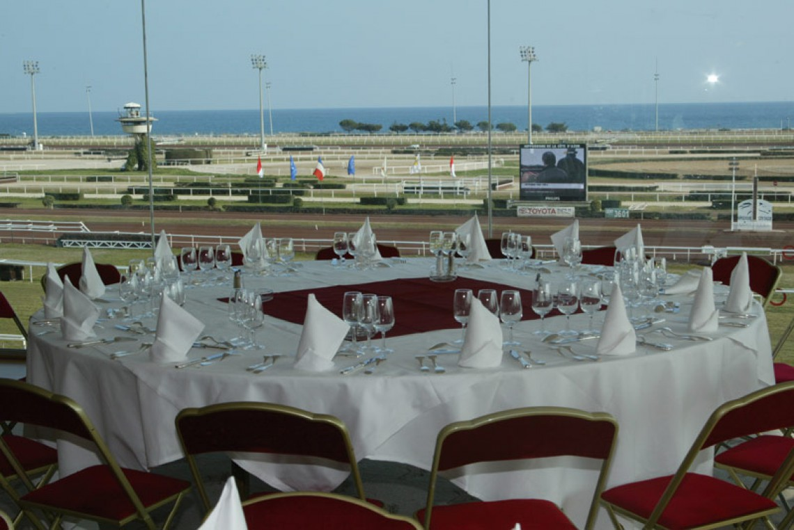 Hippodrome de la cote d 39 azur reception venues around nice for Hippodrome de salon