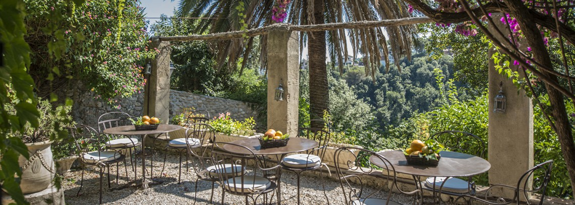 hotel-restaurant-chateau-le-cagnard_218035